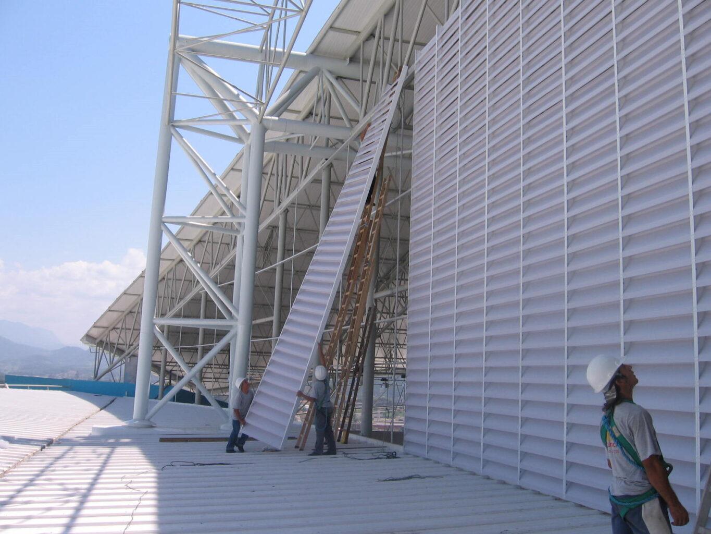 O que é e como manter em dia a renovação de ar industrial